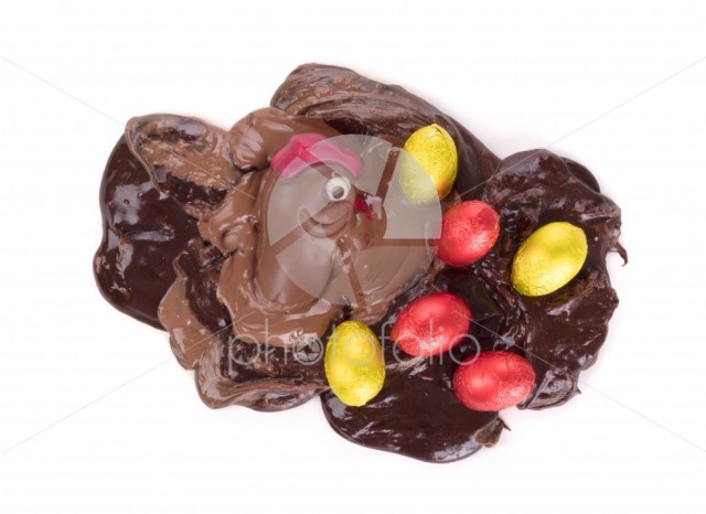 Melting chocolate easter chicken