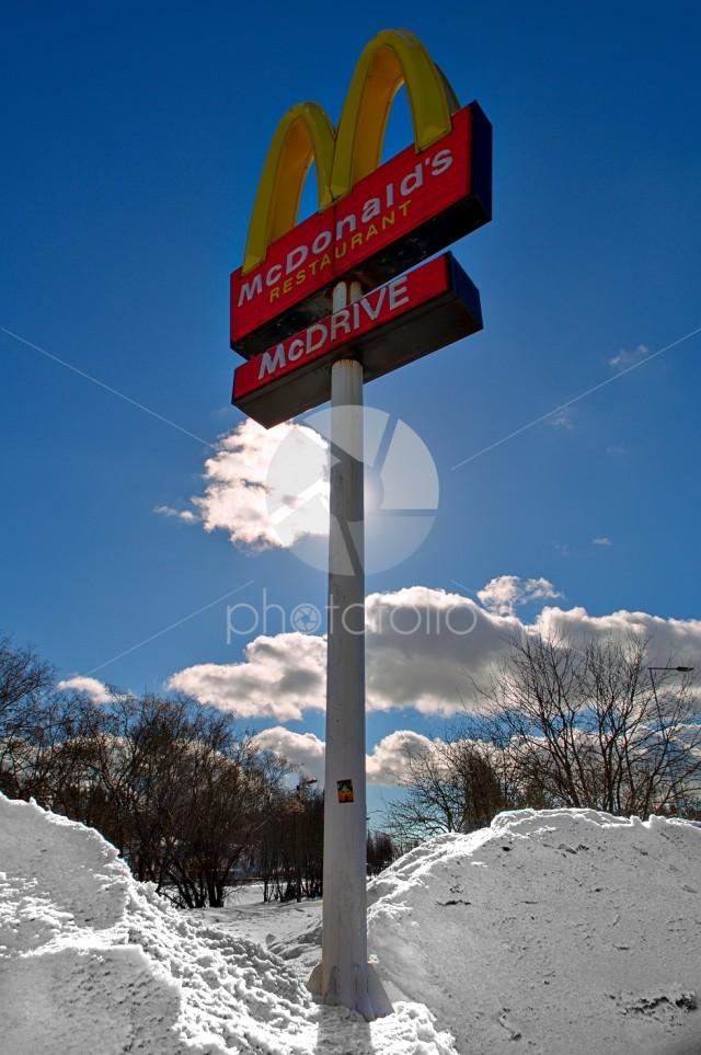 McDonald's sign HDR