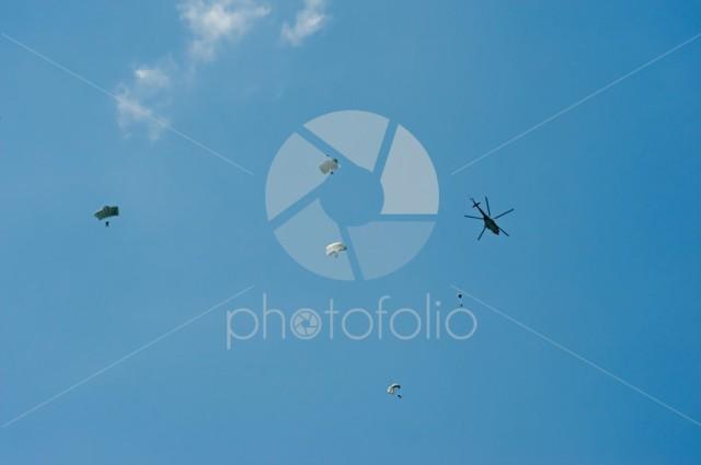 Skydiving;