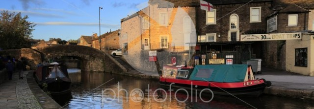 Narrowboats on the Leeds to Liverpool canal, Skipton town