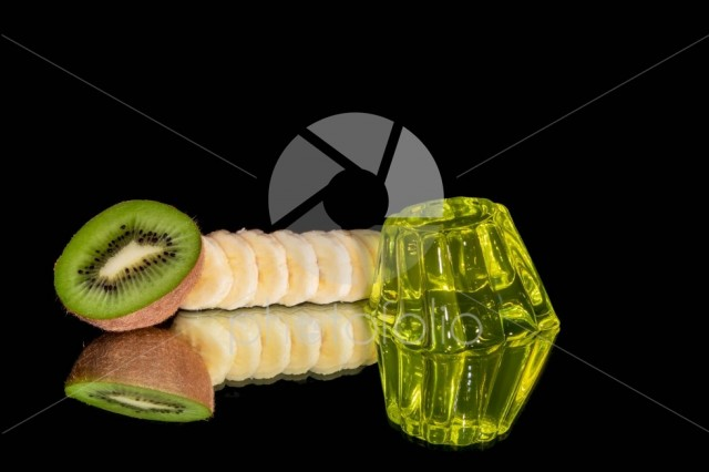 Kiwi jelly with kiwi slice and banana isolated