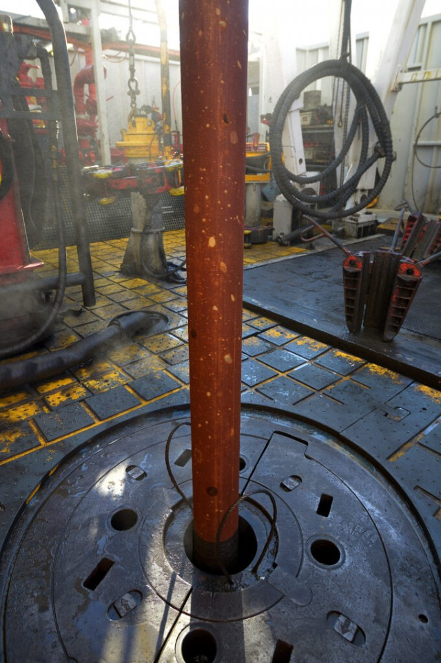 Drilling floor on offshore platform